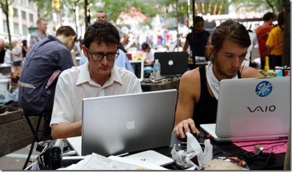 occupy-wall-street-organizing-laptops