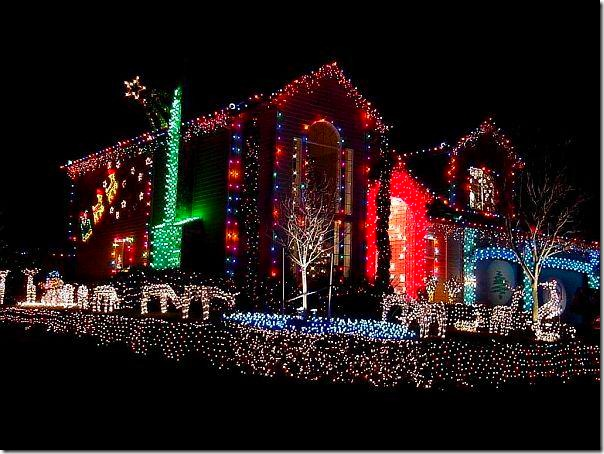 Outdoor-Night-Christmas-Lights-Decorate