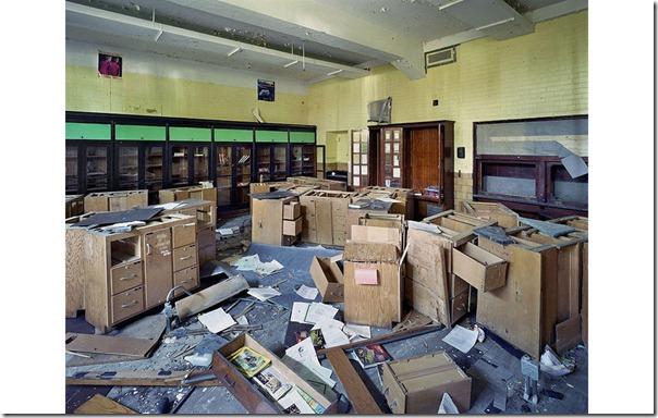 Biology classroom, Wilbur Wright High School